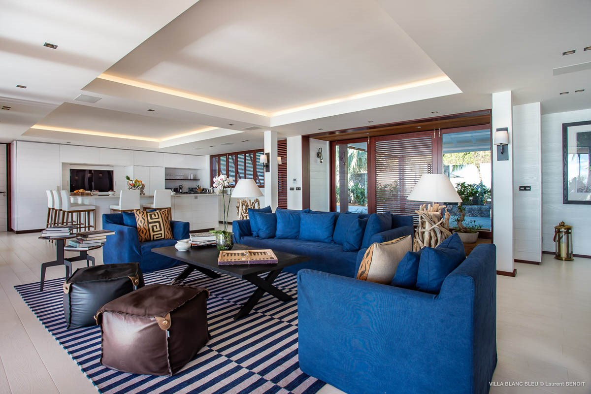 Blanc Bleu - Living Room
