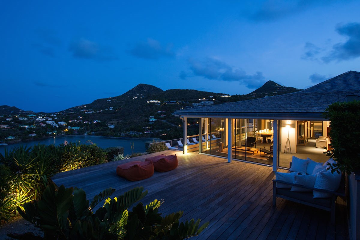 Villa Cosmos - Eden-Rock-Villa-Rental - exterior night©Pierre Carreau