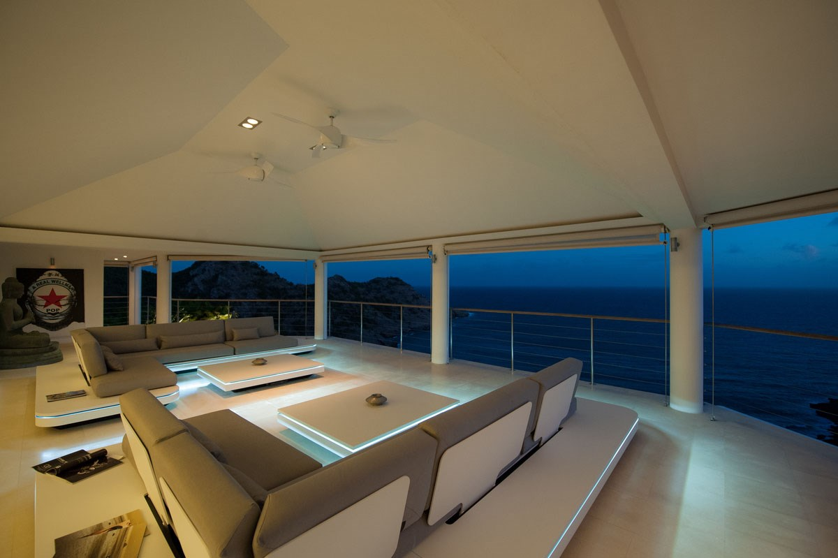 Villa Gouverneur Dream - Eden-Rock-Villa-Rental- night seating ©A Leese (68)-jpg