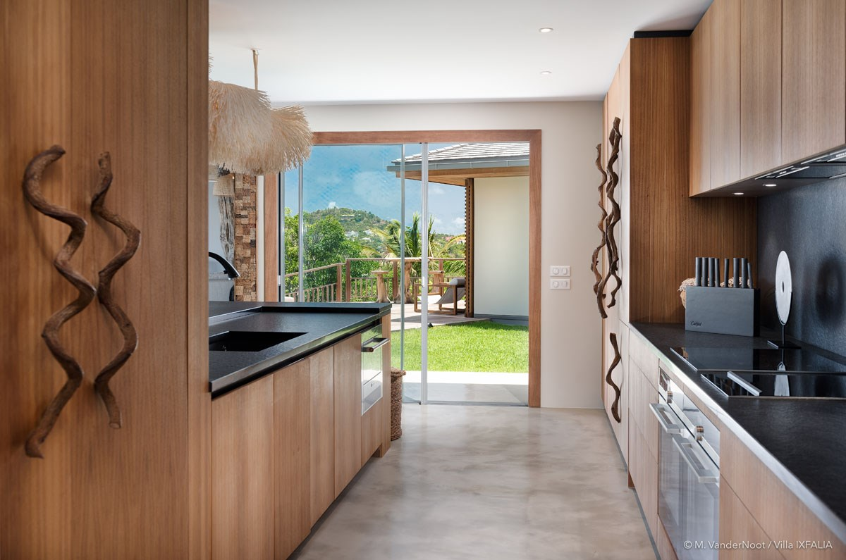 Villa Ixfalia - Eden-Rock-Villa-Rental - kitchen -©Max VanderNoot