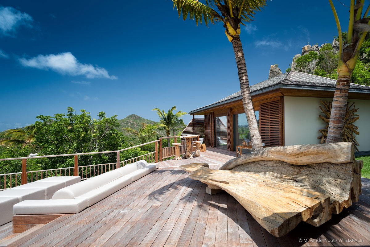 Villa Ixfalia - Eden-Rock-Villa-Rental - wood bench ©Max VanderNoot