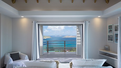 Villa Clementine - Eden-Rock-Villa-Rental - bedroom view ©Pierre Carreau
