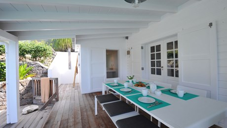 Villa Rock House - Eden-Rock-Villa-Rental - dining tqble exterior