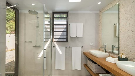 Eden Rock Villa Rental - Villa Shellbeach - Hugo Allard - bathroom 2 (16).jpg