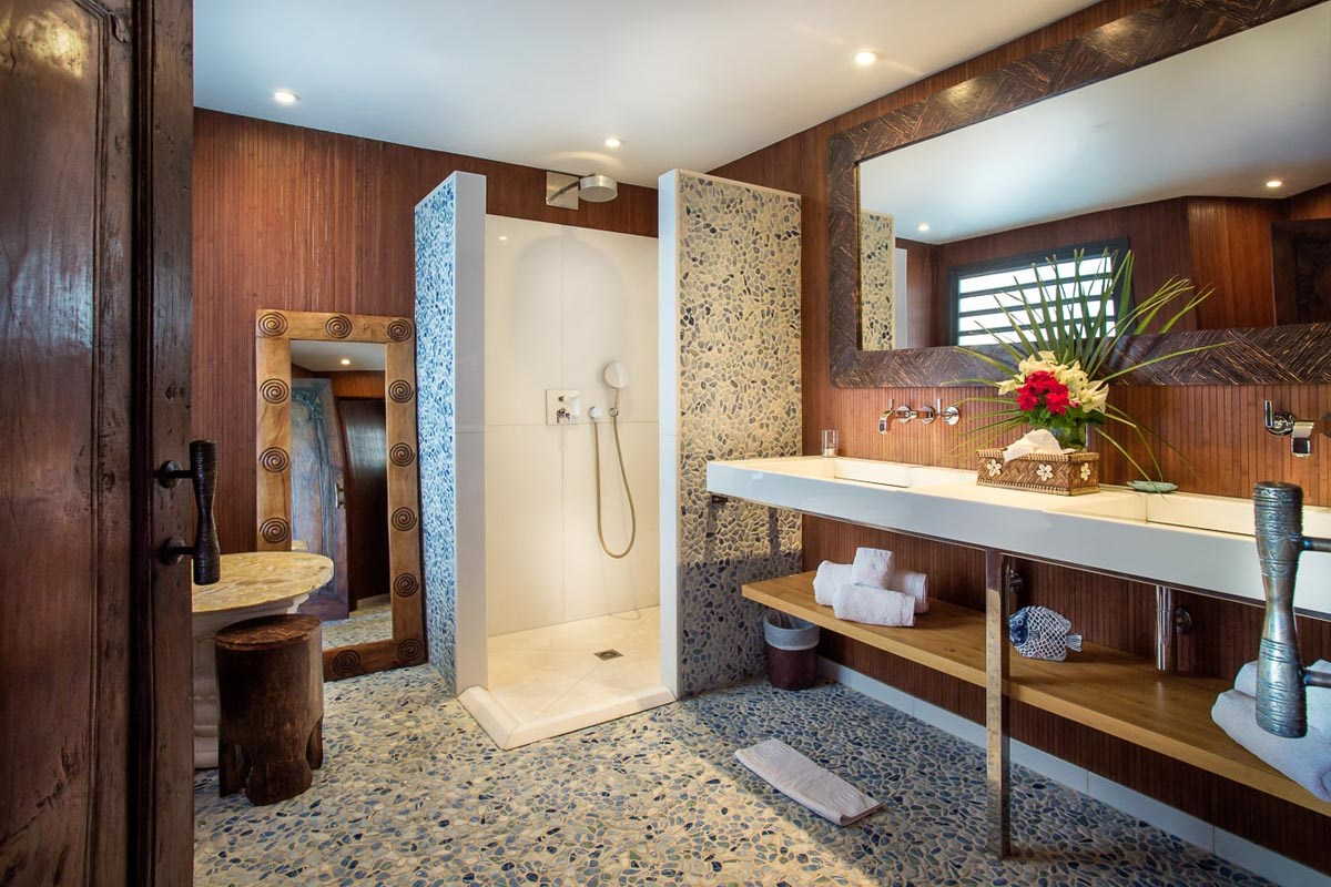 Veronika ensuite bathroom from bedroom 1