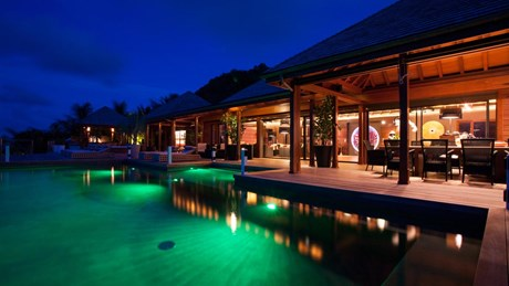 Villa Jade by night ©Pierre Carreau