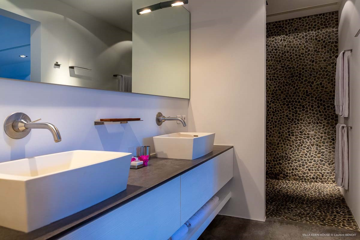 Eden Rock Villa Rental - Eden House - Bathroom 1 - Laurent Benoit-jpg