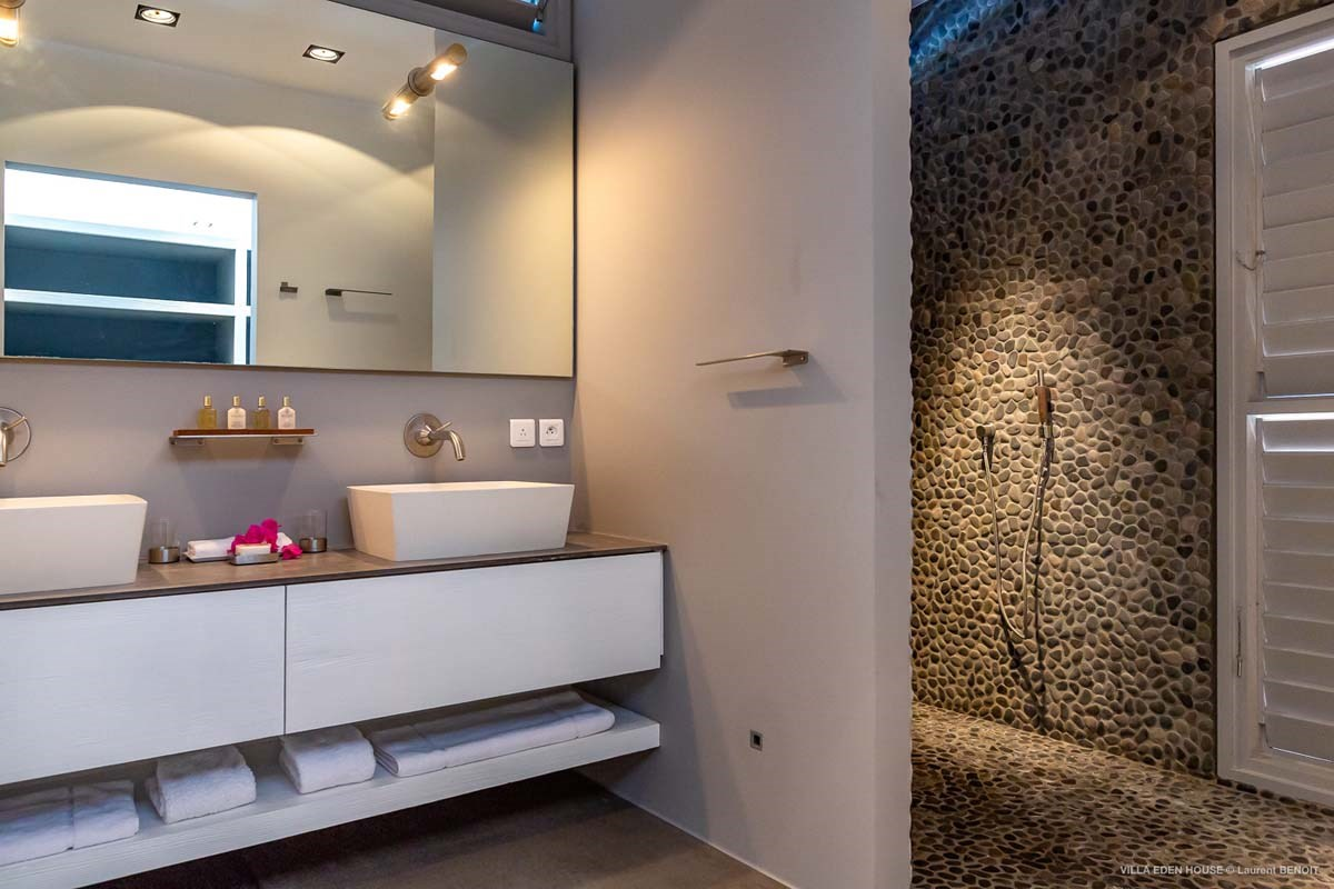 Eden Rock Villa Rental - Eden House - Bathroom 2 - Laurent Benoit-jpg