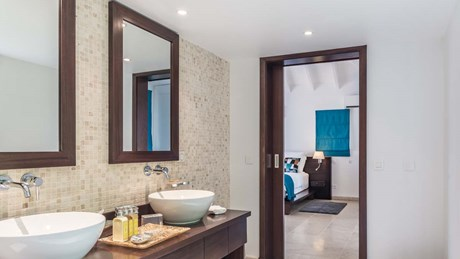 Bathroom 1 (2)-jpg