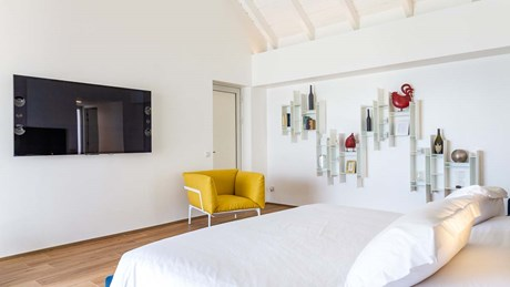 Villa Wine Note - Bedroom 2-jpg