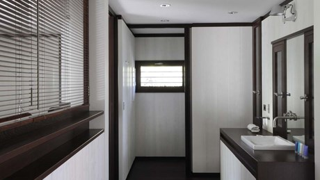 Bathrooms in Bungalows-jpg
