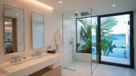 Master Suite first Bathroom-jpg