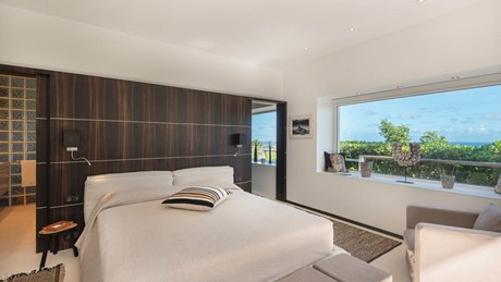 Ultraluxe Villa Eclipse - ERVR - Bedroom Wood.jpg